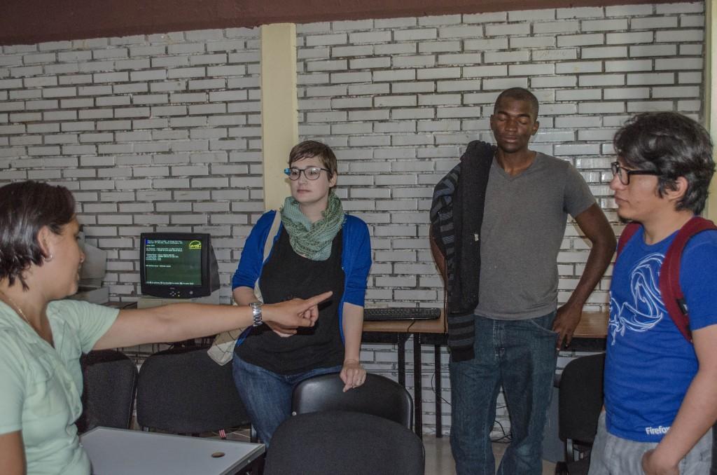 Volunteers in the computer lab at 18 de Marzo school in Mexico. @coreylatislaw.com